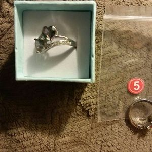 Jewelry - Size7 please read